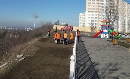 Ион Чебан пригрозил штрафами гражданам, мусорящим на улицах Кишинева