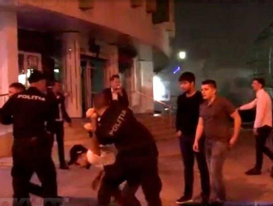 Ночные клубы видео драки живая музыка сегодня в москве клубы